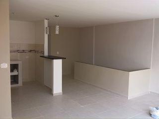 EcoDESING S.A.S DISEÑO DE ESPACIOS CON INGENIO Nowoczesne ściany i podłogi Ceramiczny Beżowy