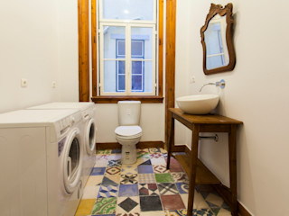 alma portuguesa Rustic style bathroom