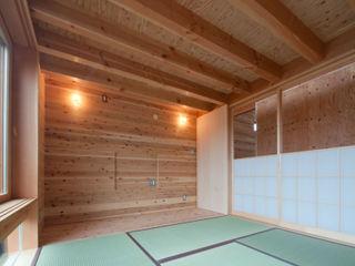 神戸町の家 FrameWork設計事務所 ラスティックな 多目的室