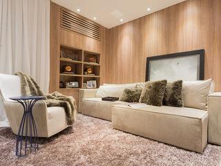 Renata Matos Arquitetura & Business Multimedia roomAccessories & decoration Wood Wood effect