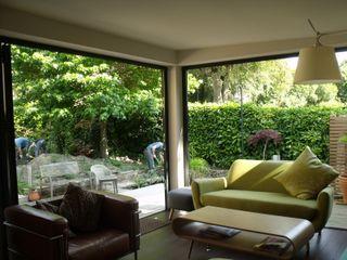 Extension and alteration to Victorian villa Jump Architects Ltd Eclectic style windows & doors Aluminium/Zinc Grey