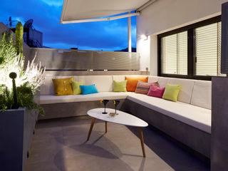 Molins Design Balkon, Beranda & Teras Modern