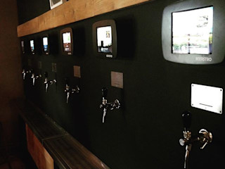 Le BEERSTRO - Lille DCA Bars & clubs modernes Métal Marron