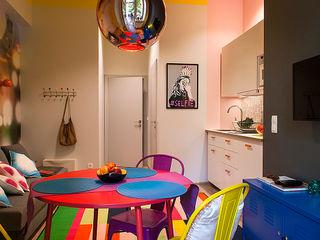 Finchstudio Коридор, прихожая и лестница в модерн стиле Многоцветный