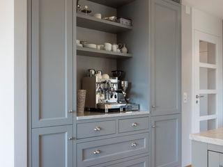 BAUR WohnFaszination GmbH Classic style kitchen Wood Grey