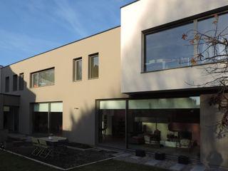 GUE' HOUSE DCA Maisons modernes Béton Gris