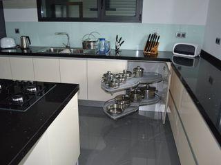 Ansidecor Nhà bếp phong cách hiện đại Gỗ-nhựa composite Multicolored