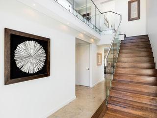 Churchlands Residence Moda Interiors Pasillos, vestíbulos y escaleras de estilo moderno Azulejos Blanco