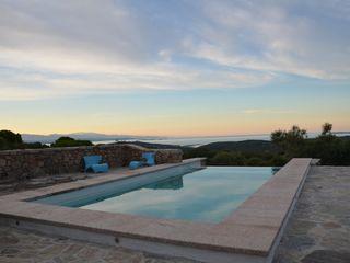 Ein Pool geht auf die Reise - Deutsche Wertarbeit in Sardinien Hesselbach GmbH Mediterrane Pools