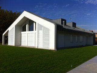 Ni.va. Srl Modern Houses Aluminium/Zinc White