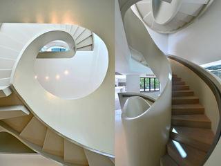 FAK3 Pasillos, vestíbulos y escaleras minimalistas