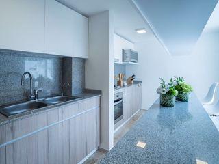 HO arquitectura de interiores Cocinas de estilo moderno