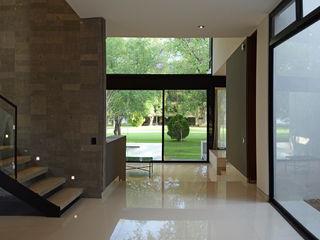 BAG arquitectura Modern Corridor, Hallway and Staircase Ceramic White