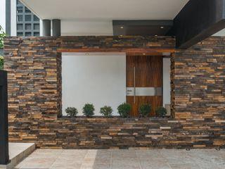 ROKA Arquitectos Maisons minimalistes Pierre Marron