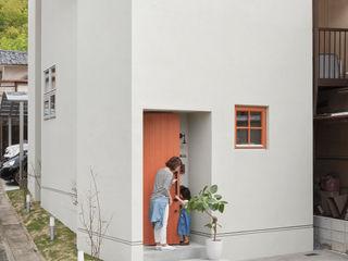 ALTS DESIGN OFFICE Дома в скандинавском стиле Бетон Серый