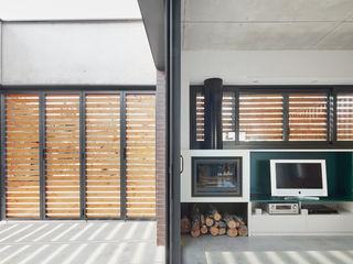 Vallribera Arquitectes Moderner Balkon, Veranda & Terrasse