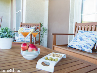 Home & Haus   Home Staging & Fotografía بلكونة أو شرفة