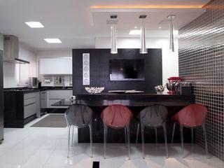 Adriana Fiali e Rose Corsini - FICODesign Modern style kitchen White