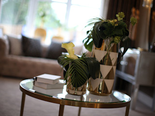Adding those finishing touches to your home... Graeme Fuller Design Ltd Modern living room