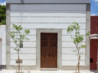 Taller Estilo Arquitectura Дома в колониальном стиле Бетон Белый