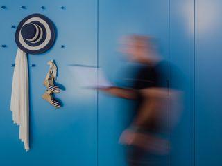 Reabilitação em Caminha Tiago do Vale Arquitectos Corredores, halls e escadas ecléticos MDF Azul
