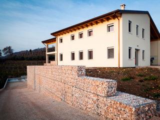 Grassi Pietre srl Modern houses Stone White