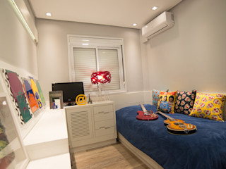 DORMITÓRIO DE MENINO Graça Brenner Arquitetura e Interiores Quarto infantil moderno MDF Branco