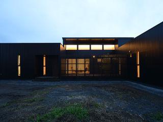 「 Real & Simple 」という家 TKD-ARCHITECT モダンな 家