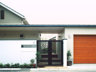 書庫&車庫の増築 北デッキの家 シーズ・アーキスタディオ建築設計室 モダンな 家