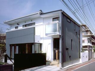 木造のスケルトンリフォーム HT-house シーズ・アーキスタディオ建築設計室 モダンな 家