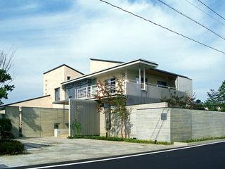 RC造の三世代住宅 六条の家 シーズ・アーキスタディオ建築設計室 モダンな 家
