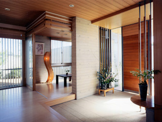 RC造の三世代住宅 六条の家 シーズ・アーキスタディオ建築設計室 モダンスタイルの 玄関&廊下&階段