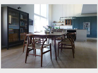 Town House, Sussex. CHALKSPACE Classic style dining room