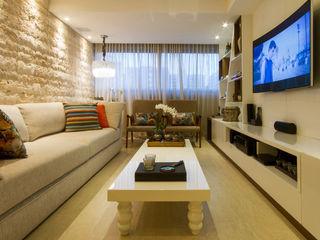 Cris Nunes Arquiteta WohnzimmerAccessoires und Dekoration