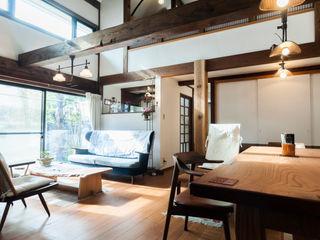 森村厚建築設計事務所 Living room Wood Wood effect