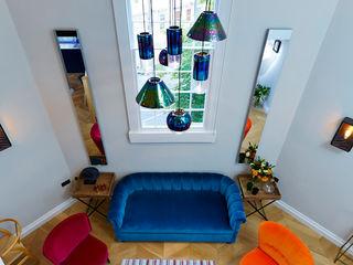 Bath Interior Design Project and Showpiece Etons of Bath 现代客厅設計點子、靈感 & 圖片 Multicolored