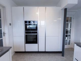Practical Magic Eco German Kitchens Cucina moderna MDF Bianco