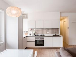 ArchEnjoy Studio Modern Dining Room Wood White