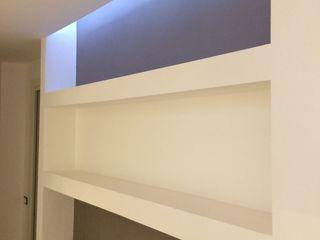 PROGETTO APPARTAMENTO IN MONZA - 2016 Cozzi Arch. Mauro Ingresso, Corridoio & Scale in stile moderno