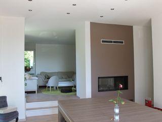 Agence ADI-HOME Ruang Media Modern Besi/Baja Brown