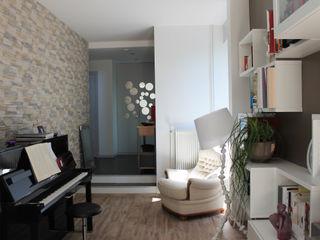 Agence ADI-HOME Ruang Media Modern Batu Brown