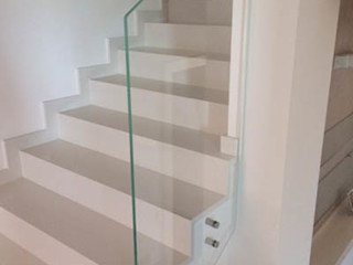 Forme snc. Moderne Häuser Glas Weiß