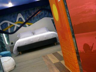 A COLOR LIFE - VIVERE A COLORI Studio Stefano Pediconi Camera da letto moderna