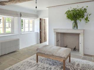 Stones Farm My-Studio Ltd Flur, Diele & Treppenhaus im Landhausstil Kalkstein Weiß