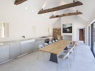 Stones Farm My-Studio Ltd Landhaus Küchen Beton Grau