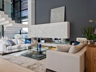 Studio Leonardo Muller Ruang Keluarga Modern Marmer