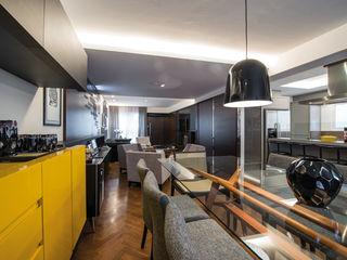 Studio Leonardo Muller Ruang Makan Modern Yellow