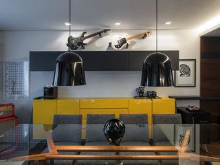 Studio Leonardo Muller Ruang Makan Modern MDF Yellow