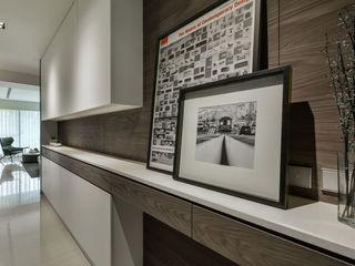 Titanium鈦白 CJ INTERIOR 長景國際設計 現代風玄關、走廊與階梯
