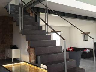 lifestyle-treppen.de Modern corridor, hallway & stairs Metal